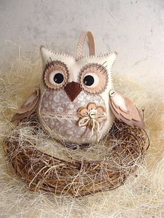 1 million+ Stunning Free Images to Use Anywhere Felt Owls, Felt Birds, Fabric Birds, Felt Fabric, Sewing Crafts, Sewing Projects, Crazy Patchwork, Bird Crafts, Owl Patterns