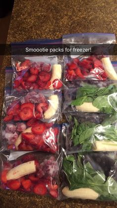 Smoothie sets for the freezer! Smoothie sets for the freezer! Healthy Smoothies, Healthy Drinks, Healthy Snacks, Healthy Eating, Healthy Recipes, Spinach Smoothie Recipes, Smoothie Detox, Smoothie Prep, Green Smoothie Recipes