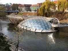 Vito-Acconci-Murinsel-lisola-sul-fiume-Mur-a-Graz.jpg (1300×975)