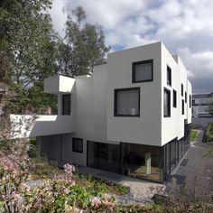 Private House in Cologne by SMO Architektur