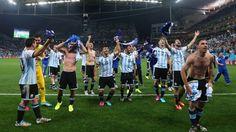 Argentina derrota a Holanda 4-2 y pasa a la final en la Copa Mundial 2014. Visite nuestra página y sea parte de nuestra conversación: http://www.namnewsnetwork.org/v3/spanish/index.php