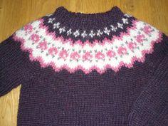 Icelandic sweater for kids/children handknitted by Binnadesign Knitting For Kids, Baby Knitting, Knitting Patterns Free, Free Pattern, Icelandic Sweaters, Little Princess, Cross Stitch, Wool, Children