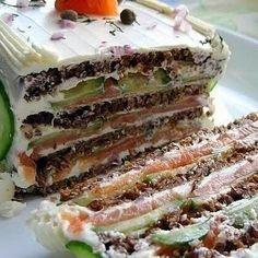 4 отметок «Нравится», 1 комментариев — 🍰🍩🍗🍕Простые Рецепты/Кулинария (@povar_bloger) в Instagram: «Бутербродный торт с копченым лососем и мягким сыром.  Красивый и невероятно вкусный праздничный…»