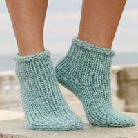 Socks & Slippers - Free knitting patterns and crochet patterns by DROPS Design Knitted Slippers, Wool Socks, Crochet Slippers, Knit Or Crochet, Knitting Socks, Knitting Patterns Free, Knit Patterns, Free Knitting, Free Pattern