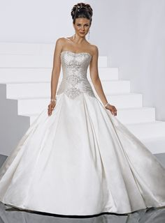 Chic sleeveless ball gown floor-length bridal gowns,halter wedding dress,halter wedding dress,halter wedding dress Beautiful idea for a dress if I ever renew my vows ; Cute Wedding Dress, Sweetheart Wedding Dress, Colored Wedding Dresses, Perfect Wedding, Bridal Dresses, Wedding Gowns, Dream Wedding, Bridesmaid Dresses, Backless Wedding