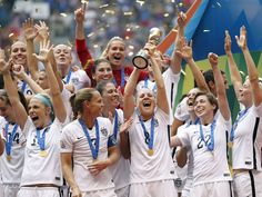 http://pinterest.com/pin/7248049377383658/ http://pinterest.com/pin/7248049374090540/ Armour: In winning World Cup title, U.S. women have legacy all their own Amy Rodriguez hoists the trophy.