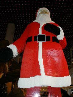 Santa Claus Immortalized in Plastic Bricks #legodesigns #legocreations trendhunter.com