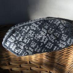 Reami glove(s) #bottheka #botthekaknitting #knittedgloves #botthekapattern #woolyarn #scandinavianstyle #greybeige #kötöttkesztyű #gyapjúkesztyű #skandinávstílus #hidegvan #szürkeség Scandinavian Style, Beanie, Hats, Fashion, Moda, Hat, Fashion Styles, Beanies, Fashion Illustrations