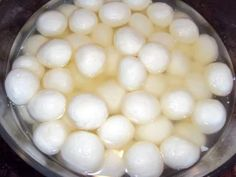 #Rosogolla ( rasgulla)... traditional #Bengali sweet, known as king of all sweets...