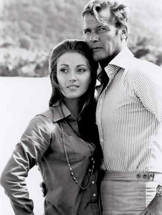 Jane Seymour, Roger Moore-James Bond-Live and Let Die Style James Bond, James Bond Girls, James Bond Actors, James Bond Theme, James Bond Movies, Roger Moore, Jane Seymour, Gentlemans Club, Vintage Tv
