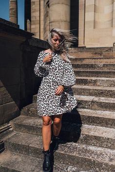 Katie Dress Short Leo – Karokauer Wedding Photographer Outfit, Models, Leo, Short Dresses, Material, Outfits, Collection, Fashion, Tatoo