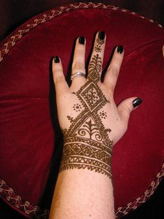 Fessi style Moroccan henna    Original Moroccan henna design in the style of old time Fez.