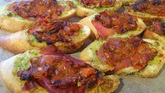 Jeg lavede lige de her bruschetta til frokost idag da vi havde gæster, og de blev rost rigtig meget, så i får da lige opskriften ;-) Du skal bruge: Pesto: Pinjekerner Frisk basillikum Frisk parmesa…