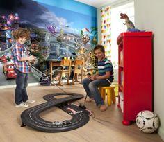 A może podróż waszego dziecka kolorowymi, uśmiechniętymi  samochodami ze znanej bajki. Pokój dziecka stanie się przytulny i kolorowy a twoje dziecko będzie chętnie spędzało w nim czas.