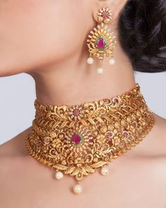Buy the best Necklace Set Indian Jewelry online from the top Necklace Set manufacturer. Shop Gini Antique Necklace Set online from the top brand for the best traditional and classy looks. Italian Gold Jewelry, Silver Jewelry, Indian Jewelry, Silver Rings, Indian Necklace, Gold Necklace, Glass Jewelry, Pendant Necklace, Indian Bangles