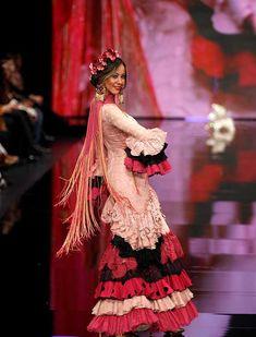 SIMOF 2018: el desfile de Aurora Gaviño, en fotos / J.M. Serrano / Rocío Ruz Balmain, Trumpet Skirt, Fishtail, Mermaids, Skirts, Dresses, Fashion, Flamenco Dresses, Victorian Dresses