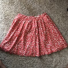 Forever 21 vintage style skater circle skirt. 18 inches long 14 inches across. Can be worn to work or school. Perfect condition Forever 21 Skirts Circle & Skater