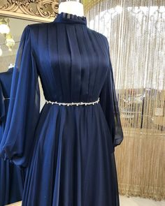 Modest Fashion Hijab, Abaya Fashion, Muslim Fashion, Fashion Dresses, Hijab Evening Dress, Hijab Dress Party, Party Wear Dresses, Moroccan Dress, Kurti Designs Party Wear