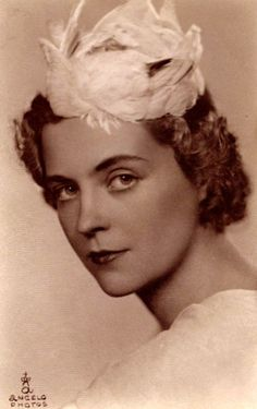 Géraldine reine des Albanais, née comtesse Apponyi de Nagy-Appony épouse du roi Zog Ier.