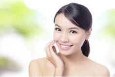 Ebenmäßig, fein, glatt und rein, und das so lange wie möglich – nicht nur für Asiatinnen der Inbegriff schöner vitaler Haut. Lustvoll und bewusst genießen sie dafür die Pflege täglicher Rituale voll edler Energie.