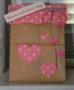 CAS152 and CAS150 Valentine's Day Gift Bag by amethystcat - Cards and Paper Crafts at Splitcoaststampers Bag Toppers, Valentines Diy, Valentine Day Gifts, Paper Gift Bags, Paper Gifts, Brown Bags, Brown Paper, Gift Wraping, Cut Outs