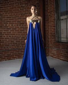 Cutout trapeze dress with & open back. Couture Dresses, Fashion Dresses, Fantasy Gowns, Fantasy Queen, Fantasy Outfits, Fantasy Clothes, Fantasy Castle, Fantasy Girl, Dark Fantasy