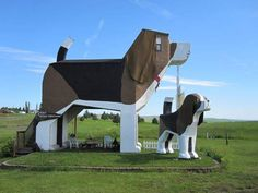 unusual roadside attractions | 15 of the Weirdest Roadside Attractions in America | BootsnAll