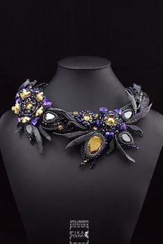 Primrose necklace with Swarovski elements and miyuki beads