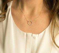 Zierliche Kreis Halskette / Karma-Kette 14 k von LayeredAndLong