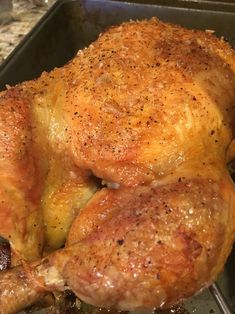 Simple recipe to achieve the BEST roasted chicken EVER! Thank you Thomas Keller ! 1 whole chicken ( pounds) 1 tbls flaked salt 1 tsp ground pepper Roasting pan, cast iron pan etc … Best Roast Chicken Recipe, Baked Whole Chicken Recipes, Oven Roasted Whole Chicken, Stuffed Whole Chicken, Roasting Chicken In Oven, Fried Chicken, Recipe For Broasted Chicken, Chicken Tenders, Roasted Whole Chickens