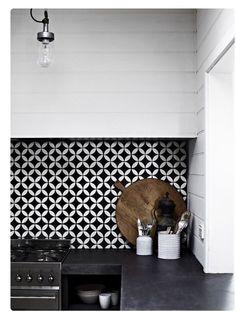 Cocinas con Mosaico #mosaicohidraulico #carreauxciment #cementtiles #tendencias #fashion #desinghome