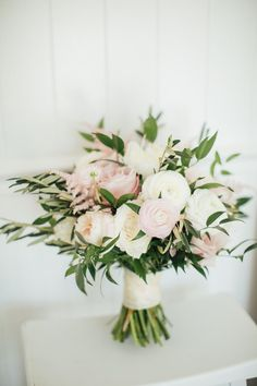 Many brides might know the wedding event flower they want in their own bouquet, however are a little mystified about the rest of the wedding flowers required to submit the ceremony and reception. Wedding Centerpieces, Wedding Decorations, Tall Centerpiece, Perfect Wedding, Dream Wedding, Wedding Boquette, Destination Wedding, Wedding Ceremony, Bride Bouquets