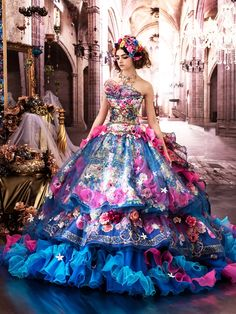 Quinceanera dress - Quinceanera is a tradition which originally arrived out of the Latin America, and also it symbolizes the Girl's transformation from a kid to an adolescent. Ball Dresses, Ball Gowns, Evening Dresses, Girls Dresses, Prom Dresses, Beautiful Costumes, Beautiful Gowns, Couture Dresses, Fashion Dresses