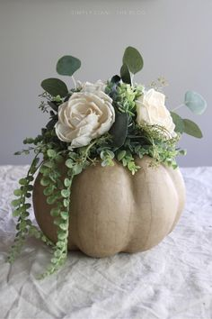 13 DIY Fall And Thanksgiving Pumpkin Centerpieces - Shelterness Pumpkin Centerpieces, Thanksgiving Centerpieces, Floral Centerpieces, Shower Centerpieces, Centerpiece Ideas, Pumpkin Bouquet, Pumpkin Flower, Pumpkin Floral Arrangements, Fall Arrangements