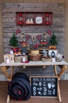 The rustic dessert table at this Lumberjack birthday party is so cool! - The rustic dessert table at this Lumberjack birthday party is so cool! Love the rustic vibe! Camping Party Decorations, Camping Parties, Birthday Party Decorations, Camping Desserts, Party Desserts, Craft Party, Camping Party Foods, Camping Theme, Lumberjack Birthday Party
