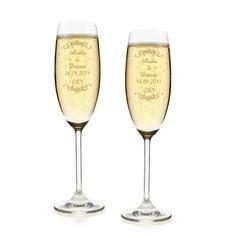 Privatglas Sektgläser 2er Set mit Namens Gravur Hochzeitsgeschenk: http://cocktail-glaeser.de/set/privatglas-sektglaeser-2er-set-mit-namens-gravur-hochzeitsgeschenk/
