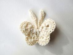 EtsyKids: Crochet Butterfly Tutorial from King Soleil Crochet Butterfly Pattern, Crochet Motif, Easy Crochet, Crochet Flowers, Free Crochet, Knit Crochet, Crochet Ideas, Ravelry Crochet, Butterflies