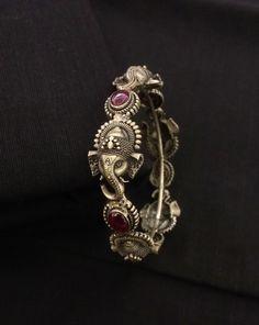 House of Taamara Silver Bangles Indian Wedding Jewelry, Indian Jewelry, Bridal Jewelry, Indian Bridal, Silver Bracelets For Women, Silver Bangle Bracelets, Gold Jhumka Earrings, Gold Bangles Design, Indian Gold Bangles