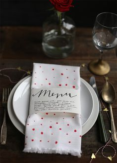 Showcase your fancy Valentine's Day menu with a free printable design.