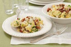 Kuskus se sušenými rajčaty a fetou Potato Salad, Potatoes, Ethnic Recipes, Food, Eten, Potato, Meals, Diet