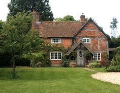 Small english cottage on pinterest english cottages for English cottage style homes for sale