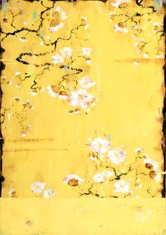 爱 Chinoiserie? Mais Qui! 爱 home decor in Chinese Chippendale style - yellow mural