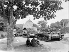 Valentine tanks of Armoured Brigade, Armoured Division in the village of Rottingdean in Sussex, 25 June 1942 East Sussex, British Army, World War Two, Views Album, Great Britain, Troops, Military Vehicles, Brighton, Mount Rushmore