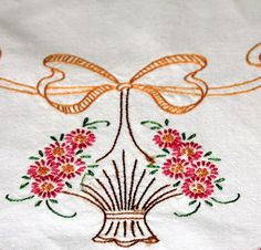 Dresser Scarf Embroidery French Knots Flower Variegated Crochet Edging Vintage