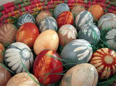 Natural Dye Coloured Eggs... I remember my Godmother using onion skins to dye eggs when I was a child