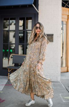 Maxi Dresses, Dress Skirt, Nice Dresses, Casual Dresses, Modest Outfits, Modest Fashion, Fashion Outfits, Dress And Sneakers Outfit, Teacher Diva