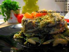 Pesce azzurro, quanto ti amiamo!!! Questo è un semplicissimo tortino di alici, che si può fare anche con le sarde: una base di scarola saltata in padella con pinoli, capperi e uvetta e poi un morbi…