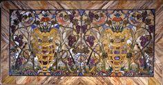 Jacopo Ligozzi - Manifattura granducale (Giovan Battista Sassi e Jacopo Flachsu modello di Jacopo Ligozzi e Bernardino Poccetti) - Piano di tavolo con vasi di fiori, uccelli, tralci d'uva e spighe - 1603-1610 - Mosaico di pietre dure - Firenze, Galleria Palatina