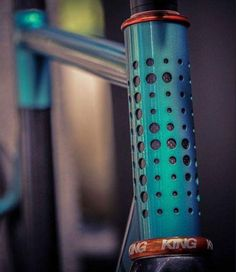 beautiful and strange bicycles — Nice Fixie Bicycle Paint Job, Bicycle Painting, Bicycle Art, Bicycle Design, Cool Bicycles, Vintage Bicycles, Bike Details, Bike Photography, Push Bikes
