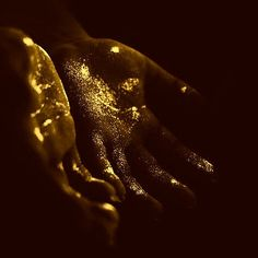 """""""Once you dig deep enough, you'll be able to find lands of gold. That's what she did with my soul."""" aesthetic Gold Aesthetic on Point Apollo Aesthetic, Angel Aesthetic, Loki Aesthetic, Sun Aesthetic, Greek Gods And Goddesses, Greek Mythology, Vaporwave, Texture Gold, The Blue Boy"""